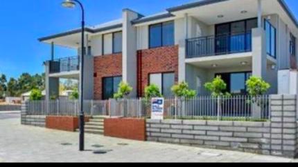 Near new Ellenbrook apartment for rent