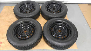 4 pneus d'hiver 195/65/R15 en bonne condition sur rimes  5 x 100