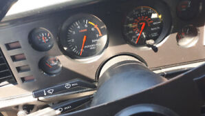 1983 mustang gt 56,000 km,s 302 done over 300 hp $14,000