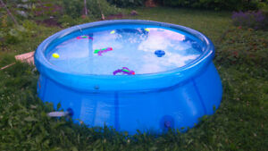 Piscine gonflable 8'