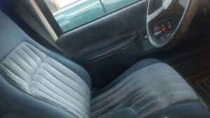 1994 Chevrolet Suburban Cloth SUV, Crossover