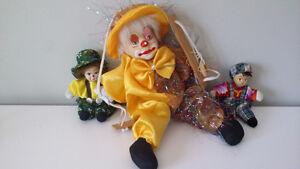 Clown avec visage en porcelaine à suspendre ou à déposé