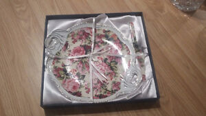 BRAND NEW DISHES ENTERTAINING/GIFTS/GLASSWARE/FRAME Kitchener / Waterloo Kitchener Area image 2