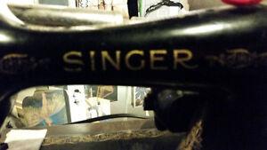 Singer Sewing Machine Vintage Sarnia Sarnia Area image 2