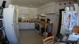 Furnished master bedroom close to UofC, all utilities included