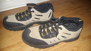 Steel Toed Work Shoes - Womens - Size 9