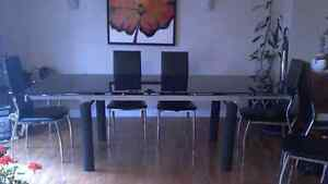 Modern extendable black glass tempered dining room table Gatineau Ottawa / Gatineau Area image 2