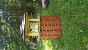 Handmade Wooden Wishing Well Garden Ornament/Planter