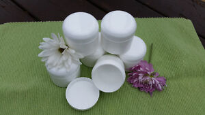 2 and 4 oz plastic double wall jars