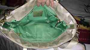 Absolutely gorgeous pristine xl authenticCoachbag Cambridge Kitchener Area image 6