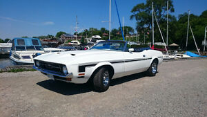 1972 Ford Mustang, white