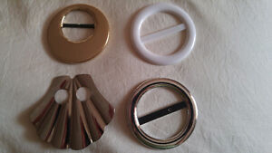 4 RETRO SHIRT CLIPS OR RING CLIPS (FROM THE 80'S)