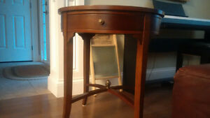 Bombay Accent Table 24 x 26