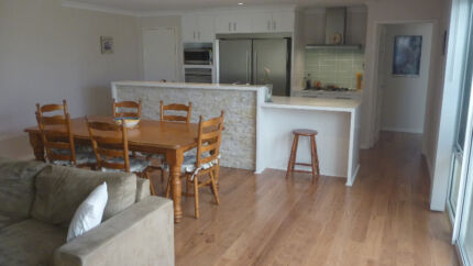OCEAN KEYS COTTAGE | Premium & Fully Furnished With WiFi Internet Clarkson Wanneroo Area Preview