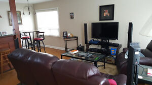 Beautiful detached bungalow in central K/W- Lease discount ! Kitchener / Waterloo Kitchener Area image 3
