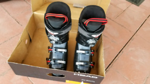 Head ski boots size 27.5 size 10 us
