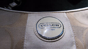 Coach purse- canvas with long strap- very clean West Island Greater Montréal image 2
