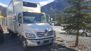 2010 Hino 185 refrigerated - reefer truck