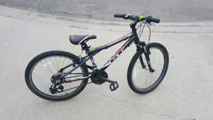 GT Aggressor boys mountain bike