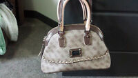 Guess Purse Like NEW CONDITION