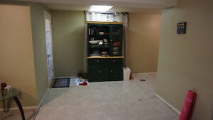 Beddington Bright Cozy Basement Suite with Private Entry