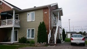 Immeuble a revenu duplex logement 4 1/2, JONQUIÈRE,saguenay