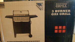 Brand new 3 burner convertible gas BBQ