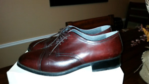 Italian made genuine  leather men shoes.