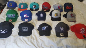 NEW SNAPBACKS AND FITTED HATS ! NHL, NBA, MISC