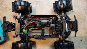 Proline mt 4x4 neuf(Traxxas hpi losi dji drone associated echang