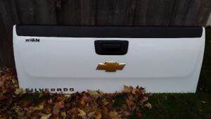 2007 to 2010 Chevy Silverado Tailgate for sale or trade!