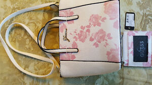 Guess purse with change purse - brand new Kitchener / Waterloo Kitchener Area image 1
