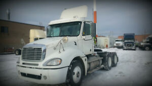 2007 freightliner cloumbia day cab Detroit 470hp 10 speed manual