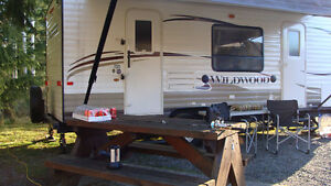 Forest River Wilwood Trailer 23FBS 2014
