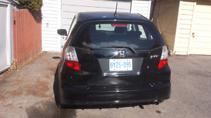 2009 Honda fit asking 3200