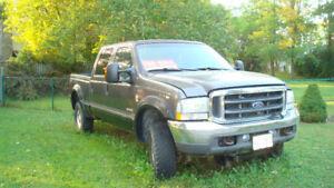 2004 Ford F-350 Lariat Pickup Truck