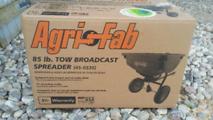 Tow Broadcast Spreader