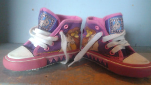 Girls Size 5 RARE LION KING CONVERSE STYLE MID TOP SHOES