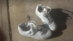WOMENS SIZE 7.5 DEXTER GOLF SHOES, HARDLY USED