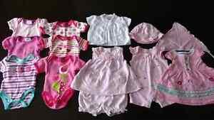 Vêtements d'été pour fille 0 et 3 mois (achetés chez Clément)