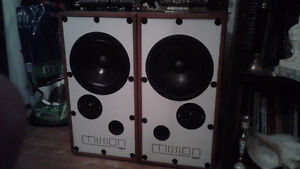 Mission 727 boxes...only ONE speaker works sold for repair