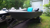 14' FISHING BOAT 9.9HP MOTOR & TRAILER CHALOUPE MOTEUR REMORQUE