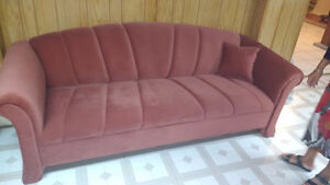Beautiful sturdy couch for sale West Island Greater Montréal image 1
