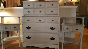 Dresser and end table set in solid wood