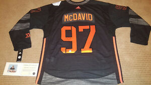 Connor McDavid Signed / Autographed Black Team NA Jersey