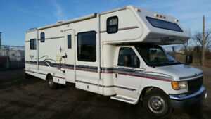 FOR SALE: RV ROYAL CLASSIC 32' CLASS C