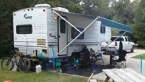 1998 SALEM FIFTH WHEEL 24' TRAILER