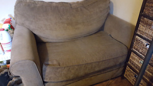 Love seat, pull out single bed