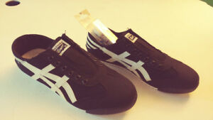 Onitsuka Tiger  - Black/White - size 9