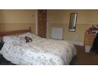 Spacious 4 bedroom flat for rent, East Preston Street Edinburgh